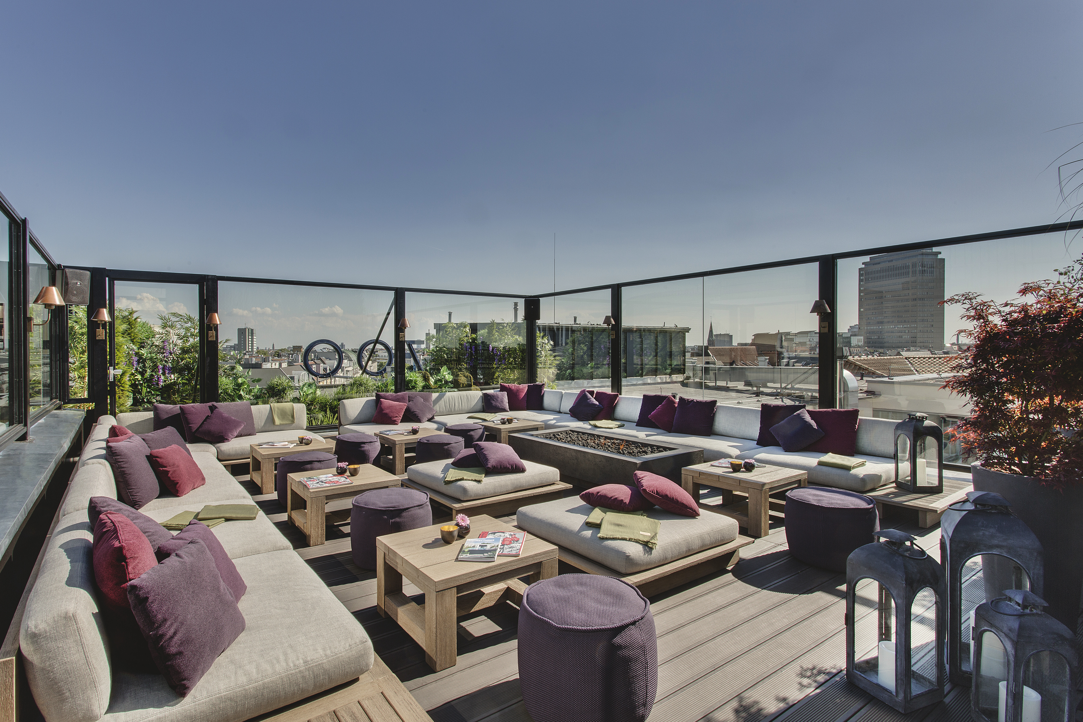 Hotel Zoo rooftop by day 03 g