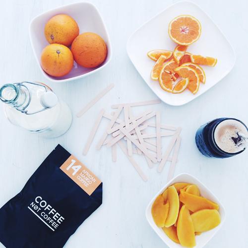 Der African Mango Coffee wird aus Bio-Arabica-Bohnen und frischen afrikanischen Mangos hergestellt. Der Kaffee soll den Stoffwechsel anregen.