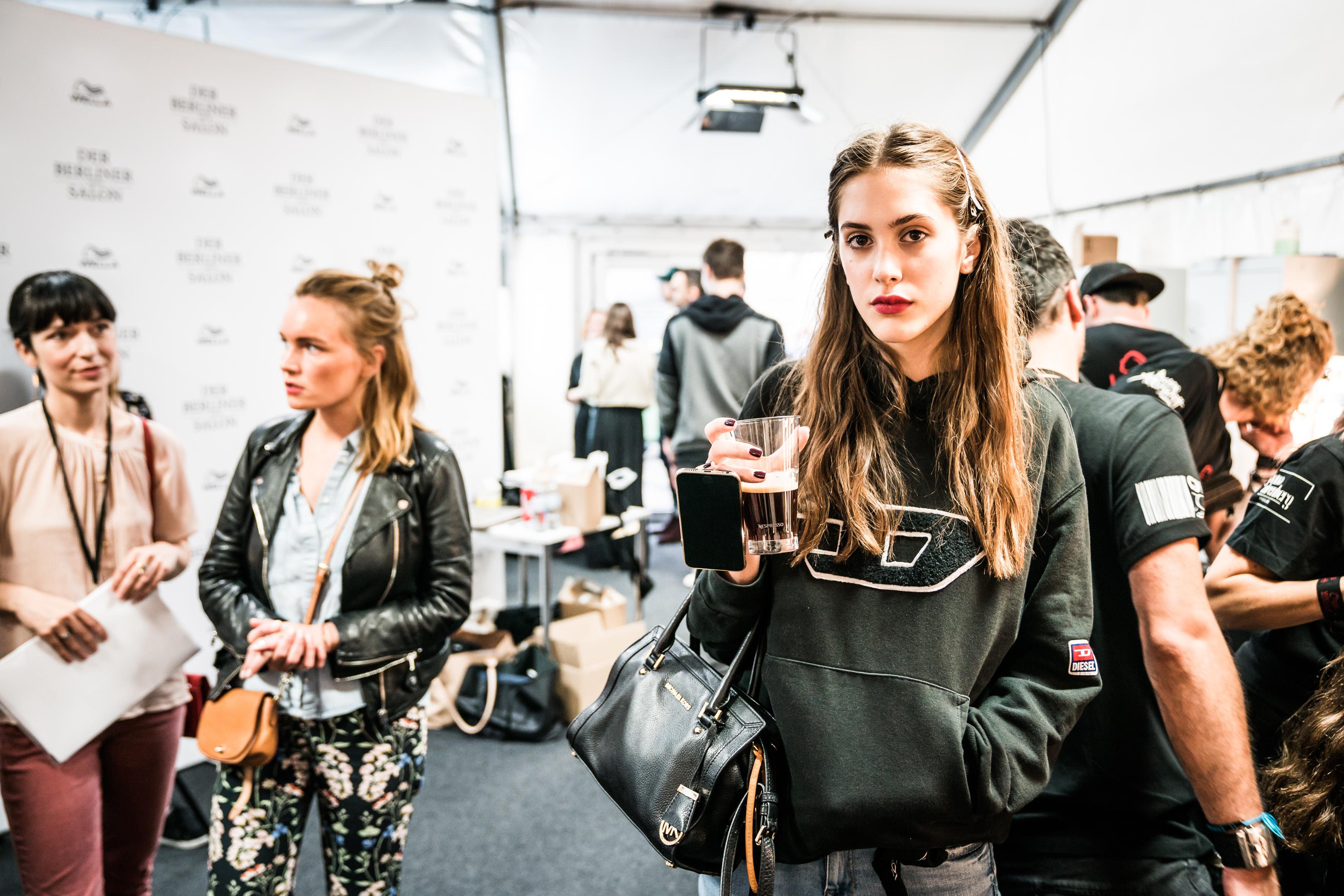 Nespresso_Gruppenausstellung DBMS Juli 2017_Backstage (2)
