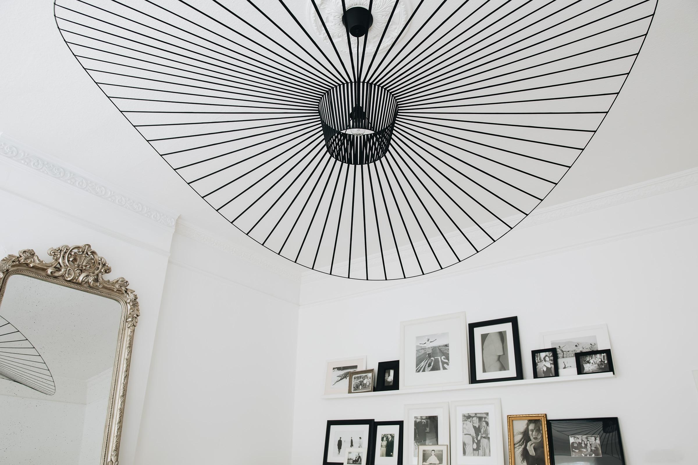 Sebastian SChmidt Wohnung Wohnzimmer Vertigo Lampe